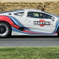 Racing Jaguar XJ220