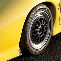 Yellow Jaguar XJ220 Wheel TWR
