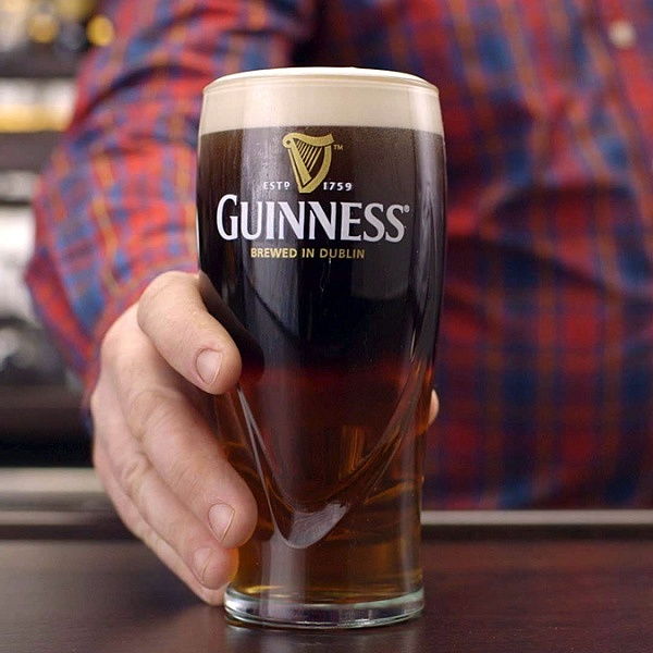 1_GUINNESS_BLACK_AND_BLONDE
