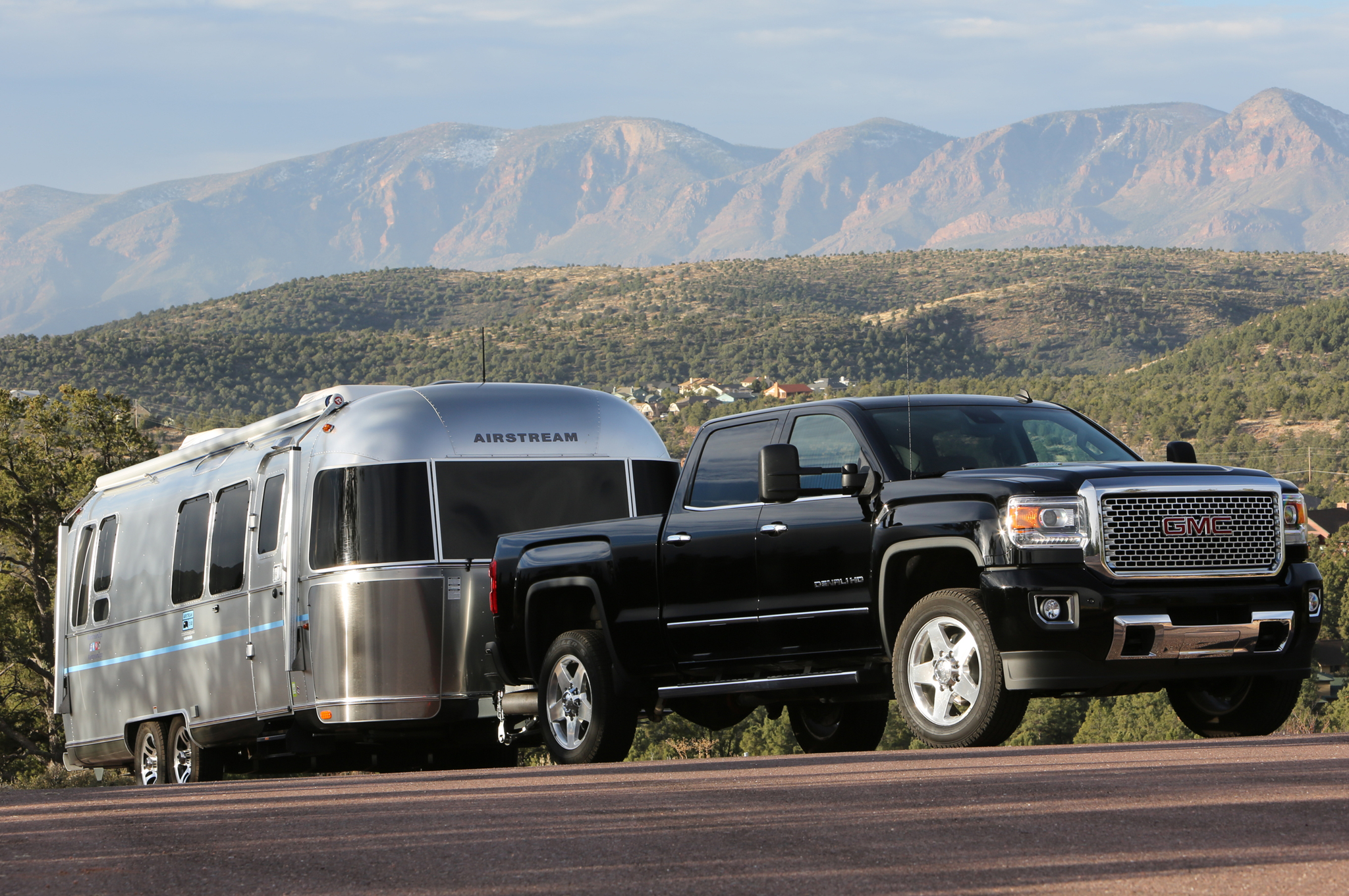 luxury with a bed 2015 gmc sierra denali factorytwofour. Black Bedroom Furniture Sets. Home Design Ideas