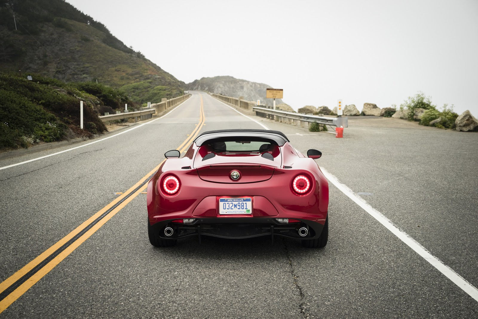 The Perfect Date Night Car Alfa Romeo 4c Spider Rear Red 2016 Back Tail Lights