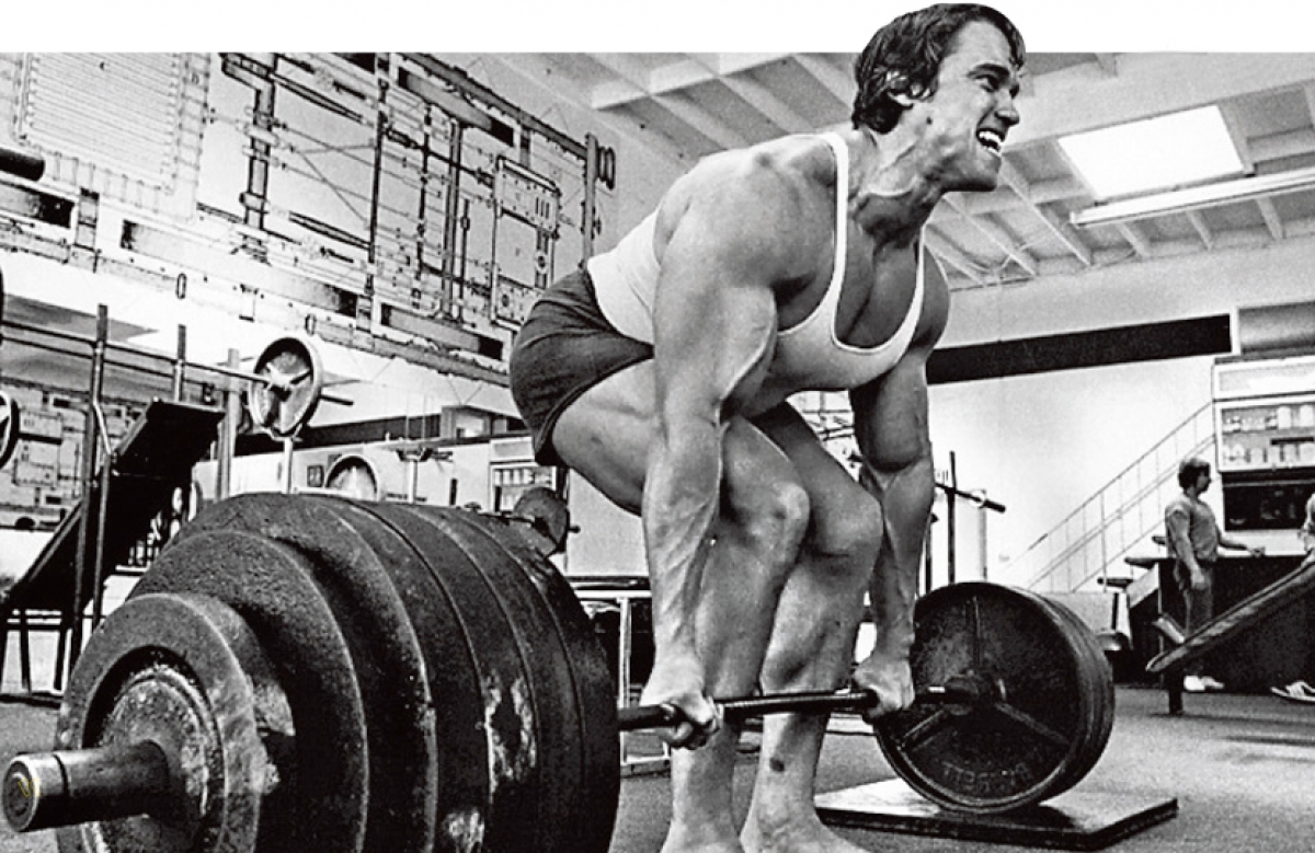 Arnold Deadlift Venice Beach Black and White