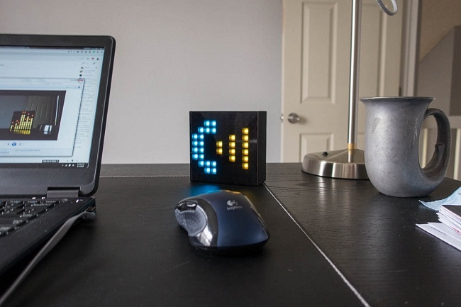 Aura Box Fun Tech home office desk call