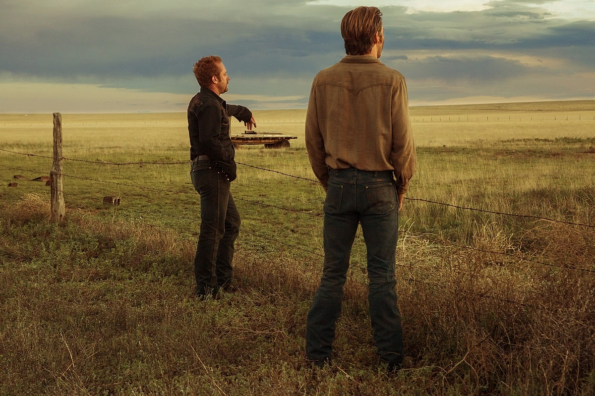 'Hell or High Water': The Modern Western With Bank Robbing Cowboys in Grey Hats