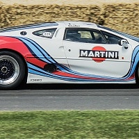 Racing Jaguar XJ220