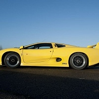 Yellow Jaguar XJ220 Side TWR