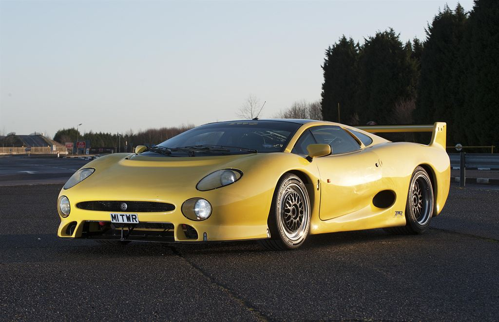 Yellow Jaguar XJ220 TWR