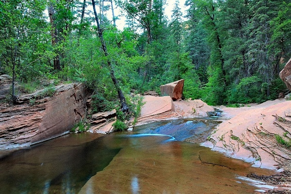 west-fork-trail-in-sedona-az