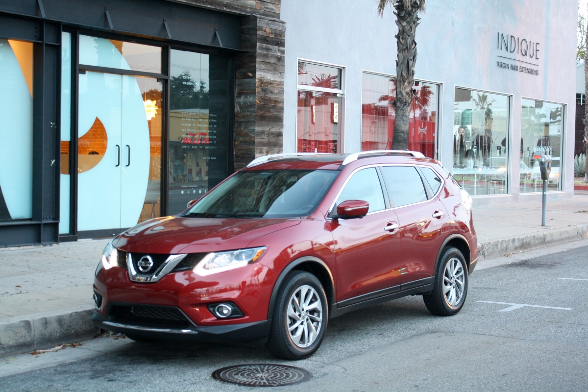 2015 Nissan Rogue SL Red