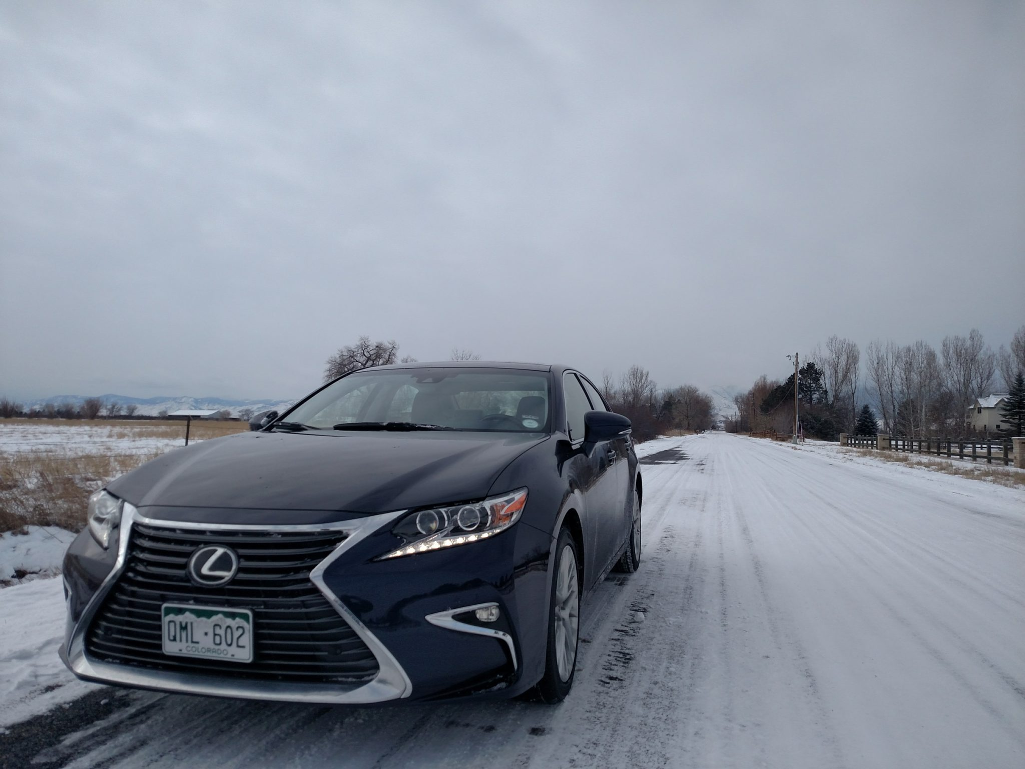 Blue 2016 Lexus ES Front