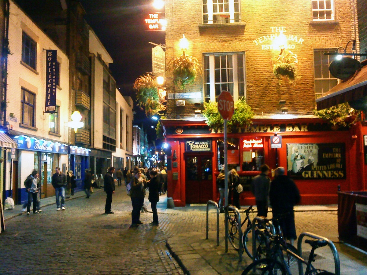 Temple_Bar_Dublin_at_Night