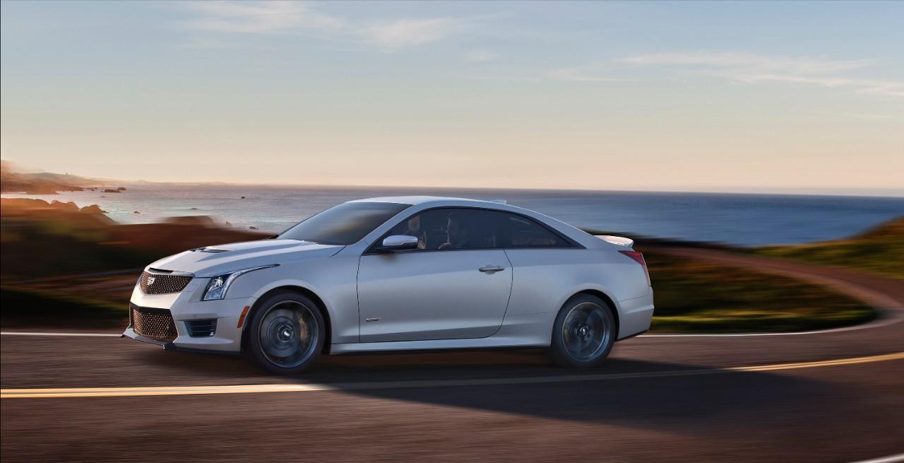 2017-Cadillac-ATS-V-Coupe-013