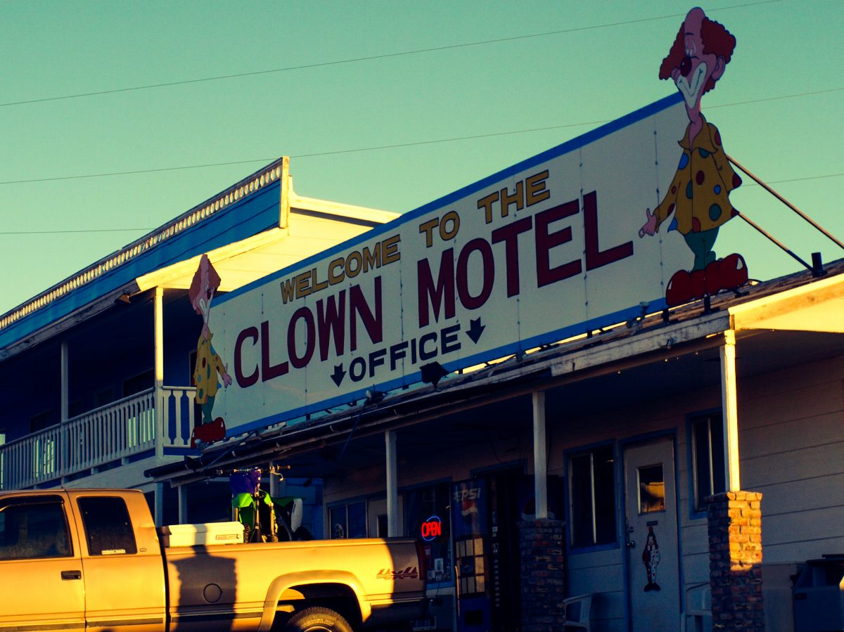 Clown Motel entrance