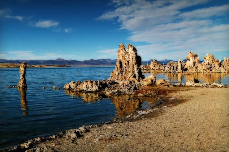 Tufas at Mono Lake, California