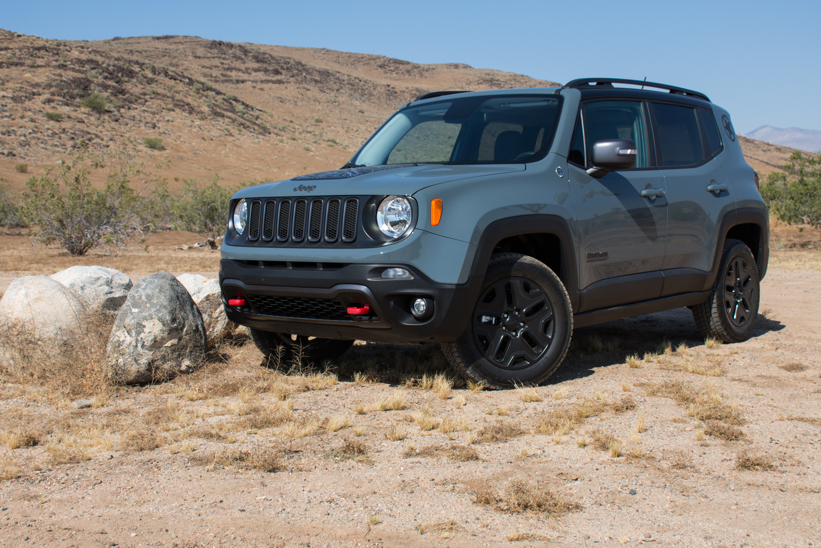 Jeep Renegade Desert Hawk >> Drivin L A With Andrew Chen 2017 Jeep Renegade Deserthawk