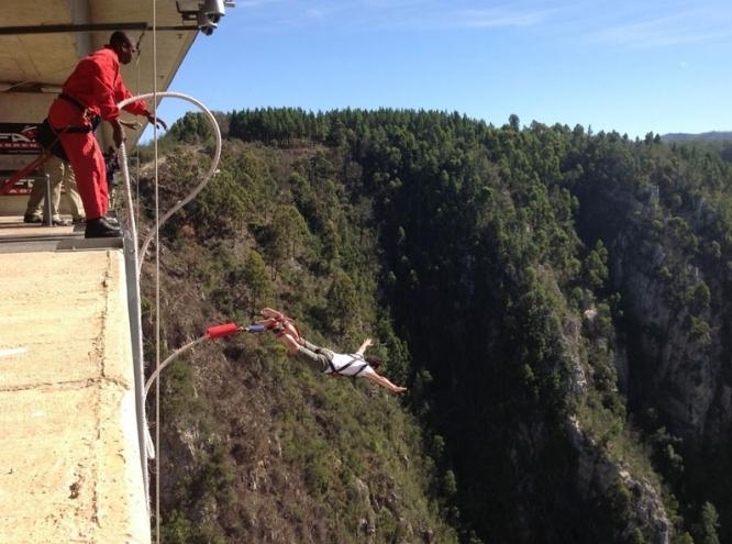 Bungee Jumping Bloukrans Bridge, South Africa