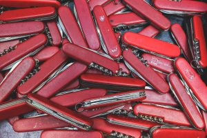 Handy red Swiss pocket knife lot